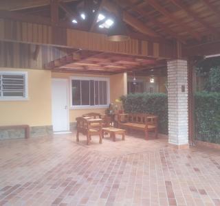 cond. vila italia  varanda gargem